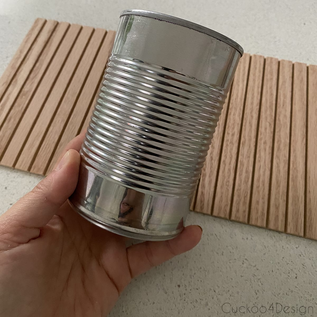 using food can to make fluted vase