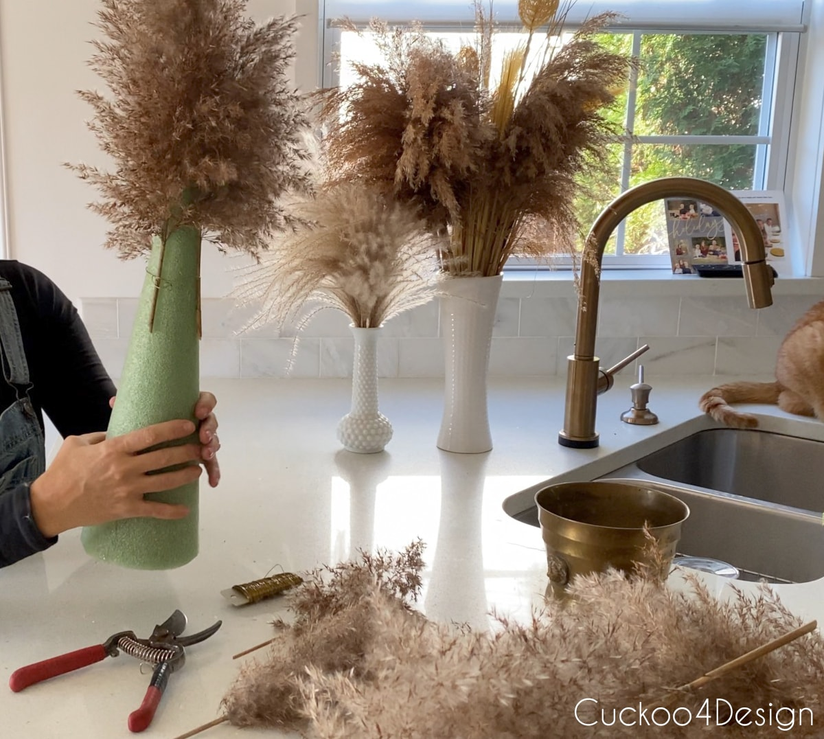 creating the top  of the pampas grass Christmas tree