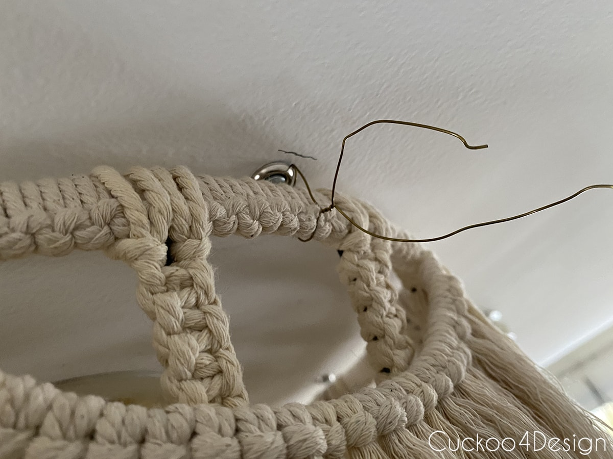 attaching macrame light fixture with wire by twisting it